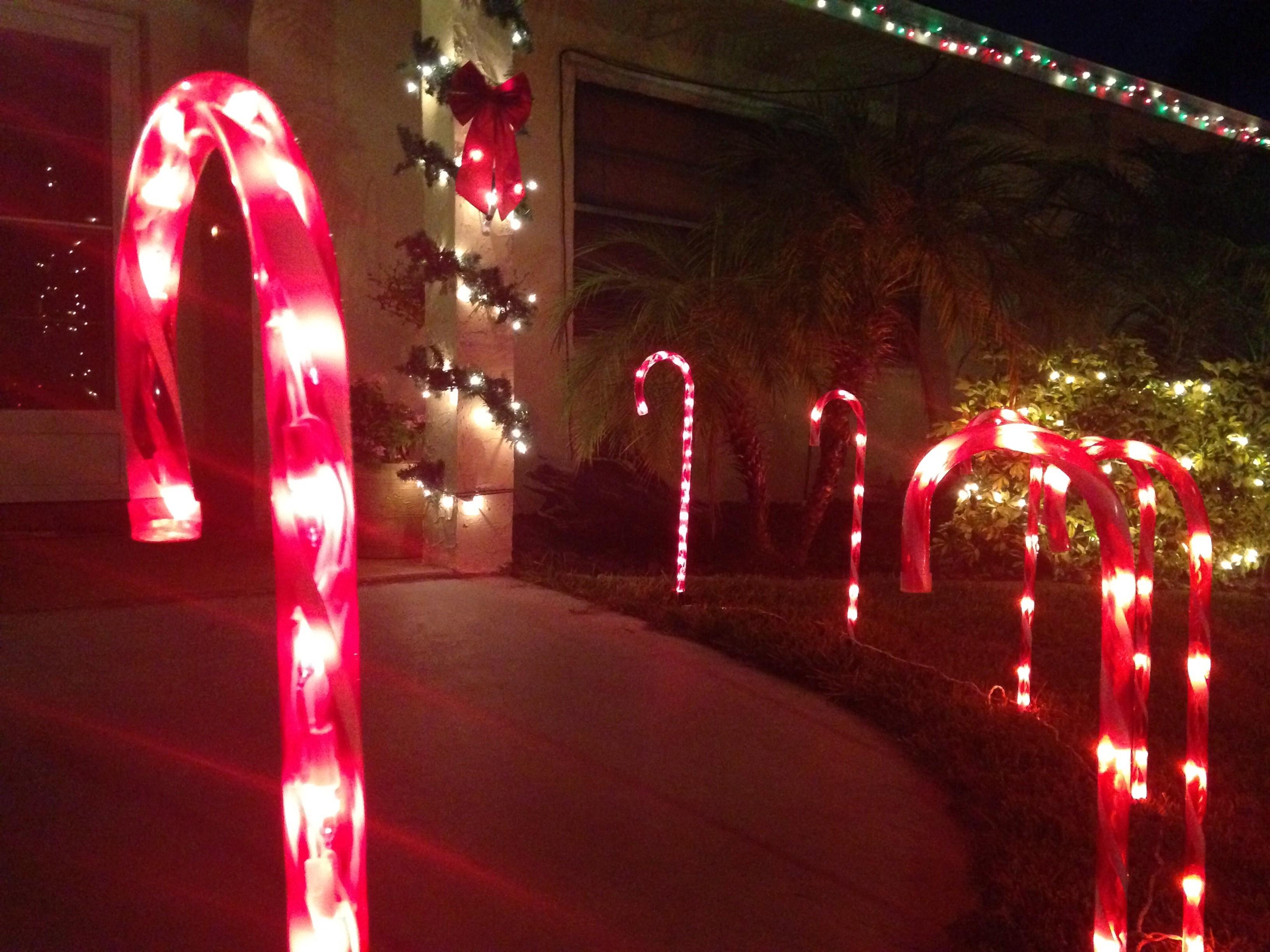 8 Christmas Lighting Hacks And Tips Dad The Mom